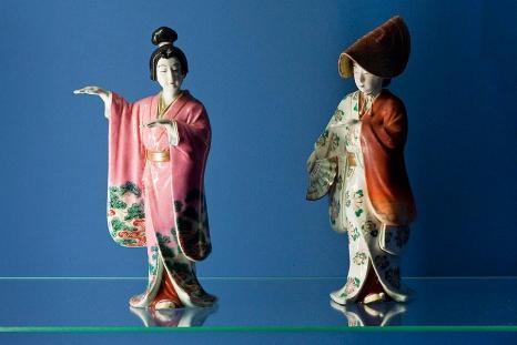 Martwa natura z japońską laleczką
