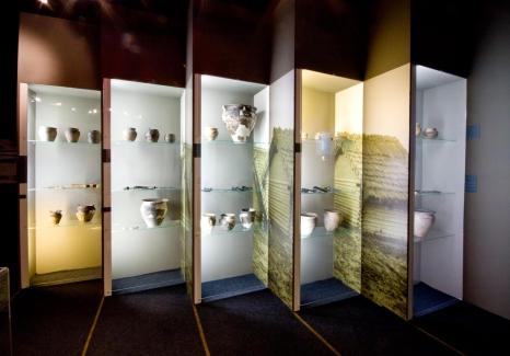 Wczesne wieki średniowiecza. Wystawa archeologiczna.